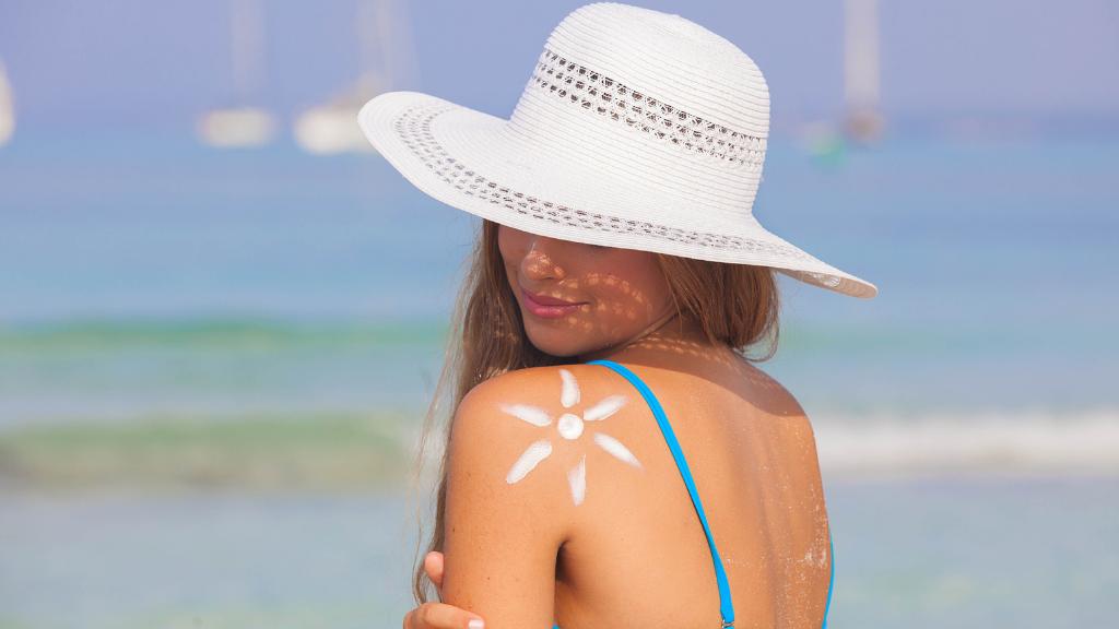 آیا مواد آرایشی برای پوست بی خطر هستند؟