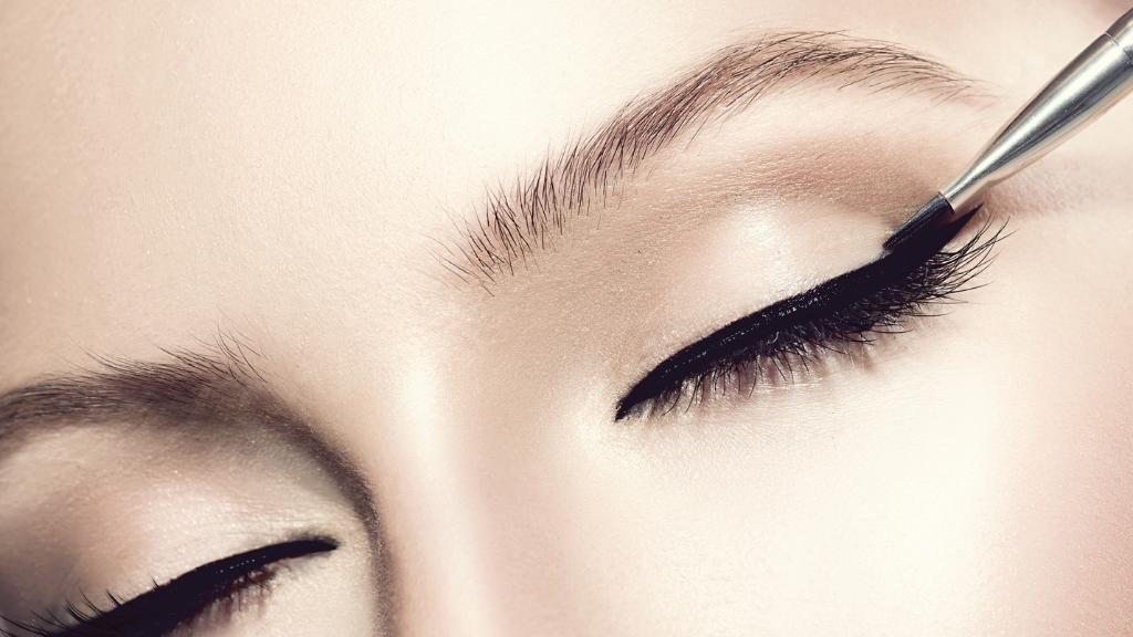 تغییر رنگ سیاه چشم: