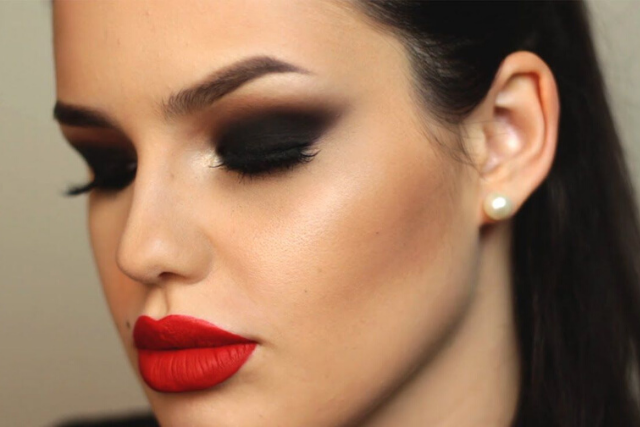 Pair Dramatic Eye Only With Nude Lipstick