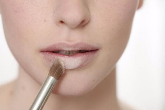 Powder Your Lips